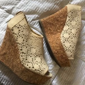 Kendall & Kylie Madden Girl Lace Cork Wedges